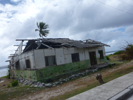 Nauru abandoned house with asbestos mar2013 for webpage
