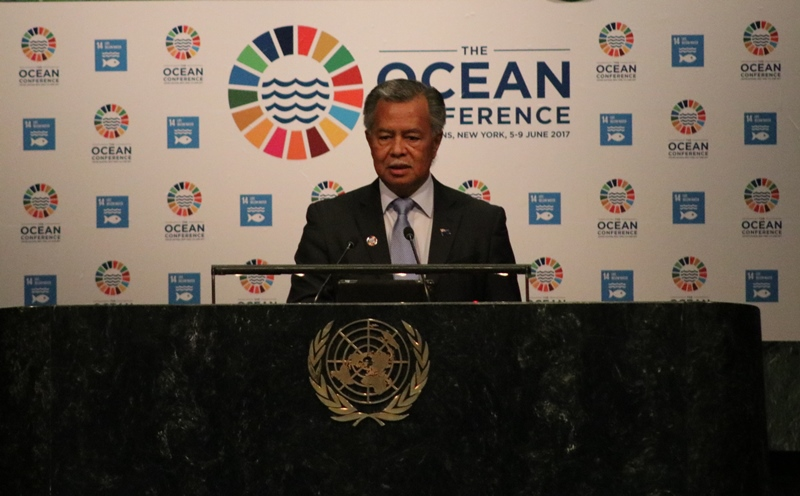Cook Islands Prime Minister Hon. Henry Puna as he made his announcement at the UN Ocean Conference in 2017