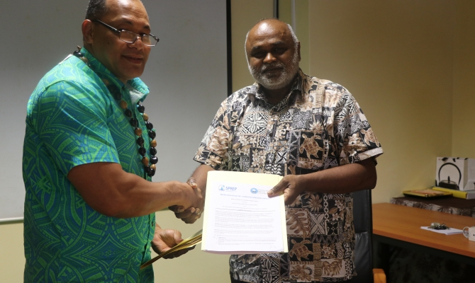 Partnership between SPREP and Solomon Islands National University now formalised